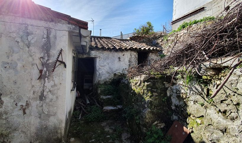 Cortes property for sale