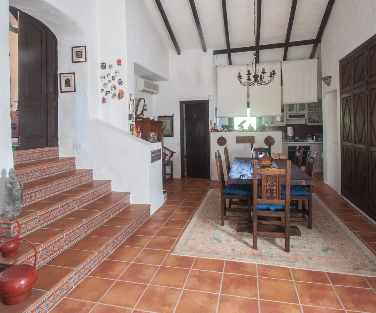 country property for sale casare